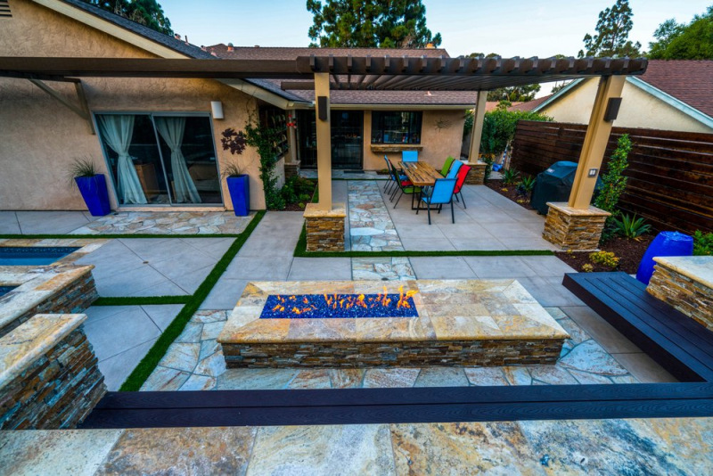 Scabos travertine bullnose coping outdoor fire pit San Jose