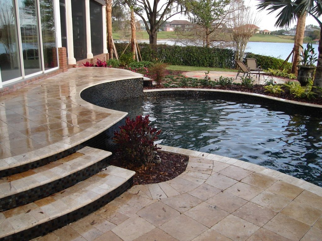 Noce Travertine Tumbled Pavers